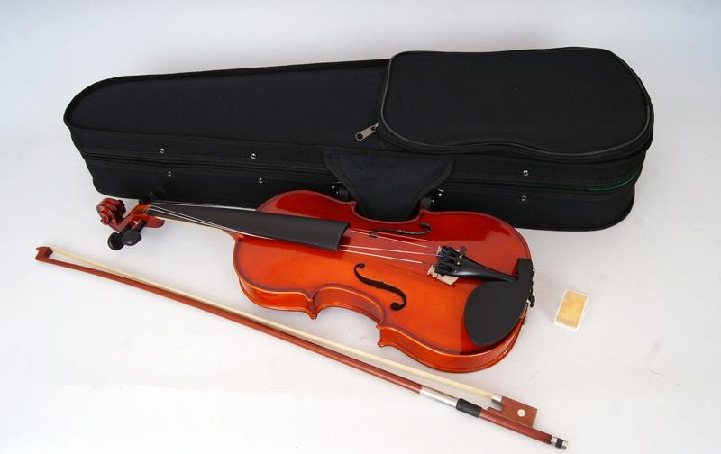 MV-002 Скрипка 3/4 с футляром и смычком, Carayа
